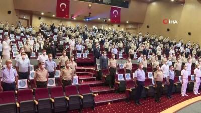 general -  TSK'da terfi eden personele yeni rütbeleri verildi