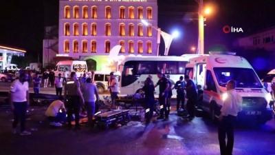 fabrika -  Servis minibüsü bariyere çarparak yan yattı: 7 yaralı