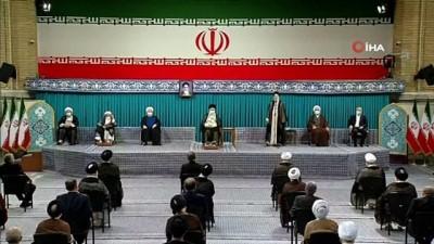- İran'ın yeni Cumhurbaşkanı Reisi mazbatasını aldı