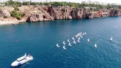 su -  30 Ağustos Zafer Bayramı kutlamasında teknelerin görsel şöleni