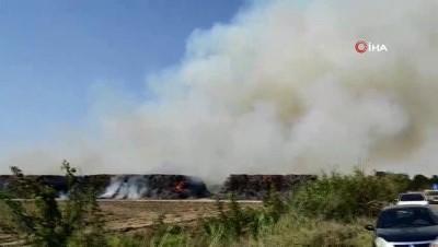 su -  30 bin ton mısır silajı balyasının bulunduğu depoda yangın çıktı
