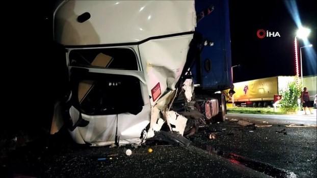 alkol -  Alkollü sürücü tıra arkadan çarptı: 1 yaralı