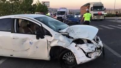 Elazığ'da iki otomobil çarpıştı: 9 yaralı