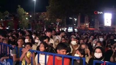 zam -  Kartal'da Zafer Haftası kutlamaları Manga konseri ile devam ediyor Videosu