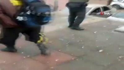 askeri personel -  - Kolombiya'da polis merkezine bombalı saldırı: 14 yaralı Videosu