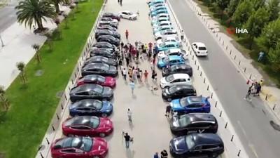 bayram coskusu -  Maltepe'de elektrikli otomobillerden 'sessiz' 30 Ağustos konvoyu