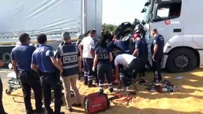 Salihli'de zincirleme kaza: 3 ölü, 5 yaralı
