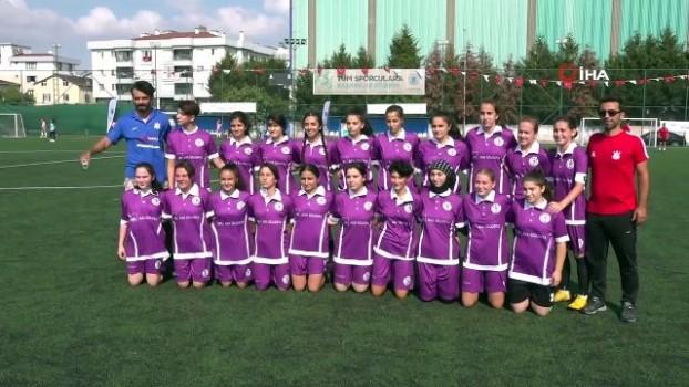 futbol - Tuzla'da 30 Ağustos Zafer Bayramı'na özel Kadınlar Futbol Turnuvası düzenlendi