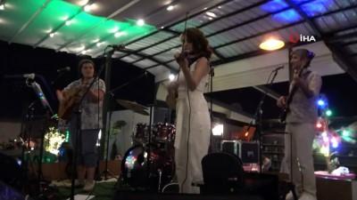 zam -  Van'da Rewşan Çeliker konseri Videosu