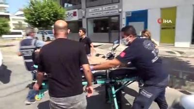 motosiklet surucusu -   Kasksız motosiklet sürücünün ölümden döndüğü anlar kamerada Videosu