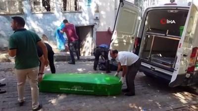 bicakli saldiri -  Husumetli 3 kişi arasında çıkan kavgada kan aktı: 1 ölü, 1 yaralı