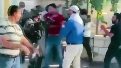 goz yasartici gaz -  - İsrail güçleri, Filistinli kardeşlere ait 3 evi yıktı - İsrail güçleri ve yıkıma tepki gösteren Filistinliler arasında arbede: 2 yaralı, 1 gözaltı