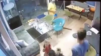 kacis -  15'inci kattan kafeye mermer düştü, faciadan dönülen anlar kamerada