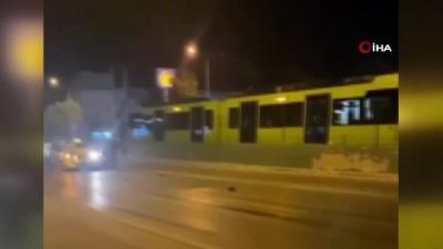 Bursa'da yola saçılan karpuzlar kazaya sebep oldu