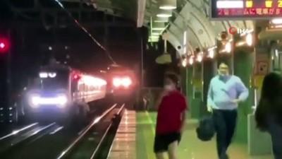 bicakli saldiri -  - Tokyo metrosunda bıçaklı saldırı: En az 10 yaralı