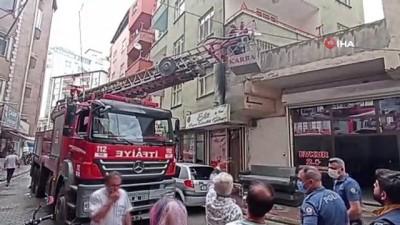 itfaiye araci -  Evinin balkonunu temizlerken 5'inci kattan düşen genç yaralandı