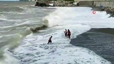 sahil guvenlik -  Açıkta boğulma tehlikesi geçiren genç korku dolu anlar yaşattı