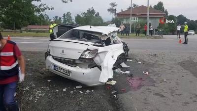 112 acil servis -  Direğe çarpan otomobil parçalandı: 1 ölü, 2 yaralı