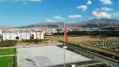 isaf - BB Erzurumspor yeni sezon formalarını tanıttı